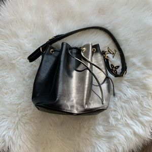 Authentic LOUIS VUITTON Epi Petit Noe Black